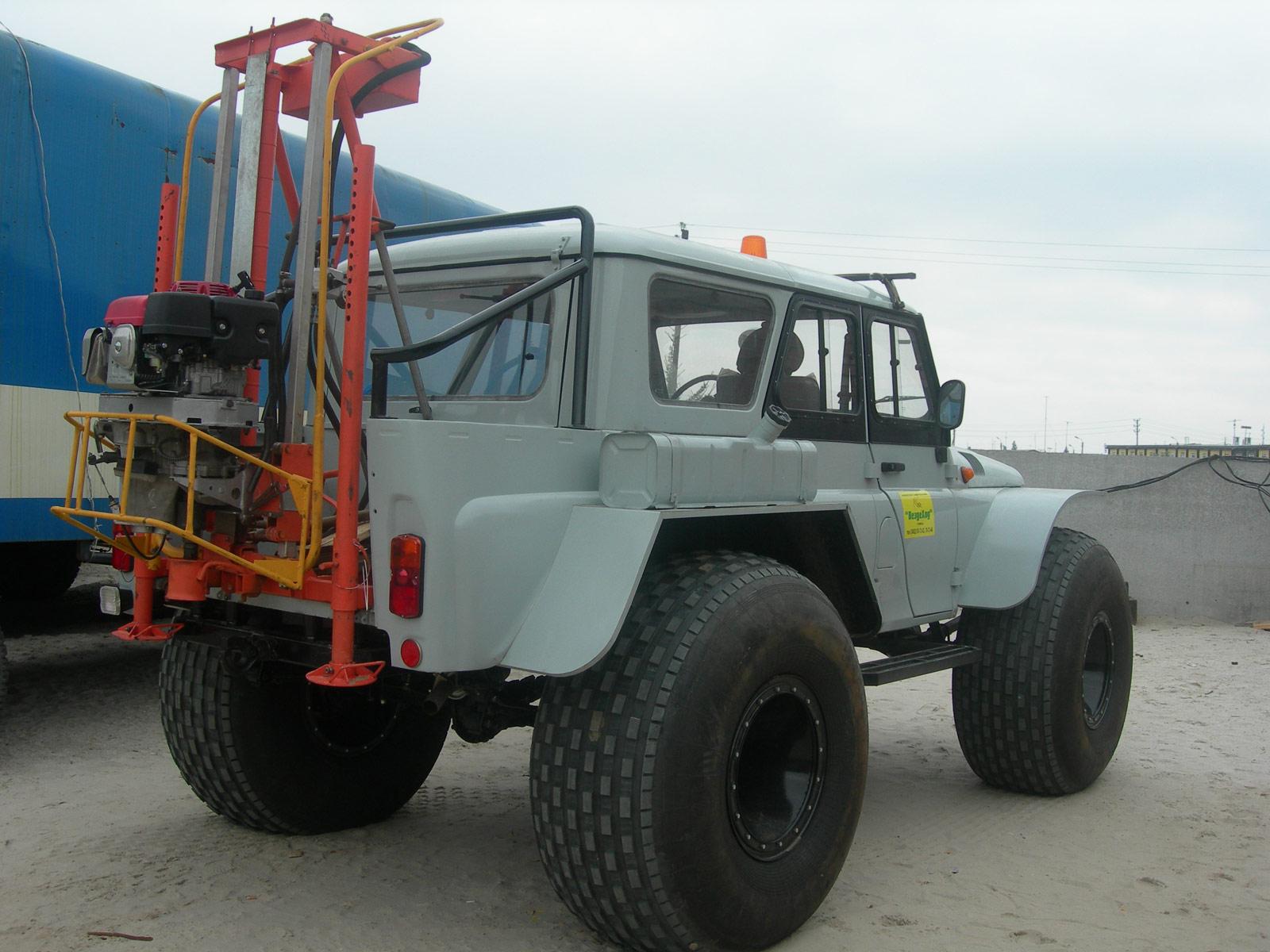 Установка буровая шнековая малогабаритная УБШМ-1-13 на базе СБ-81