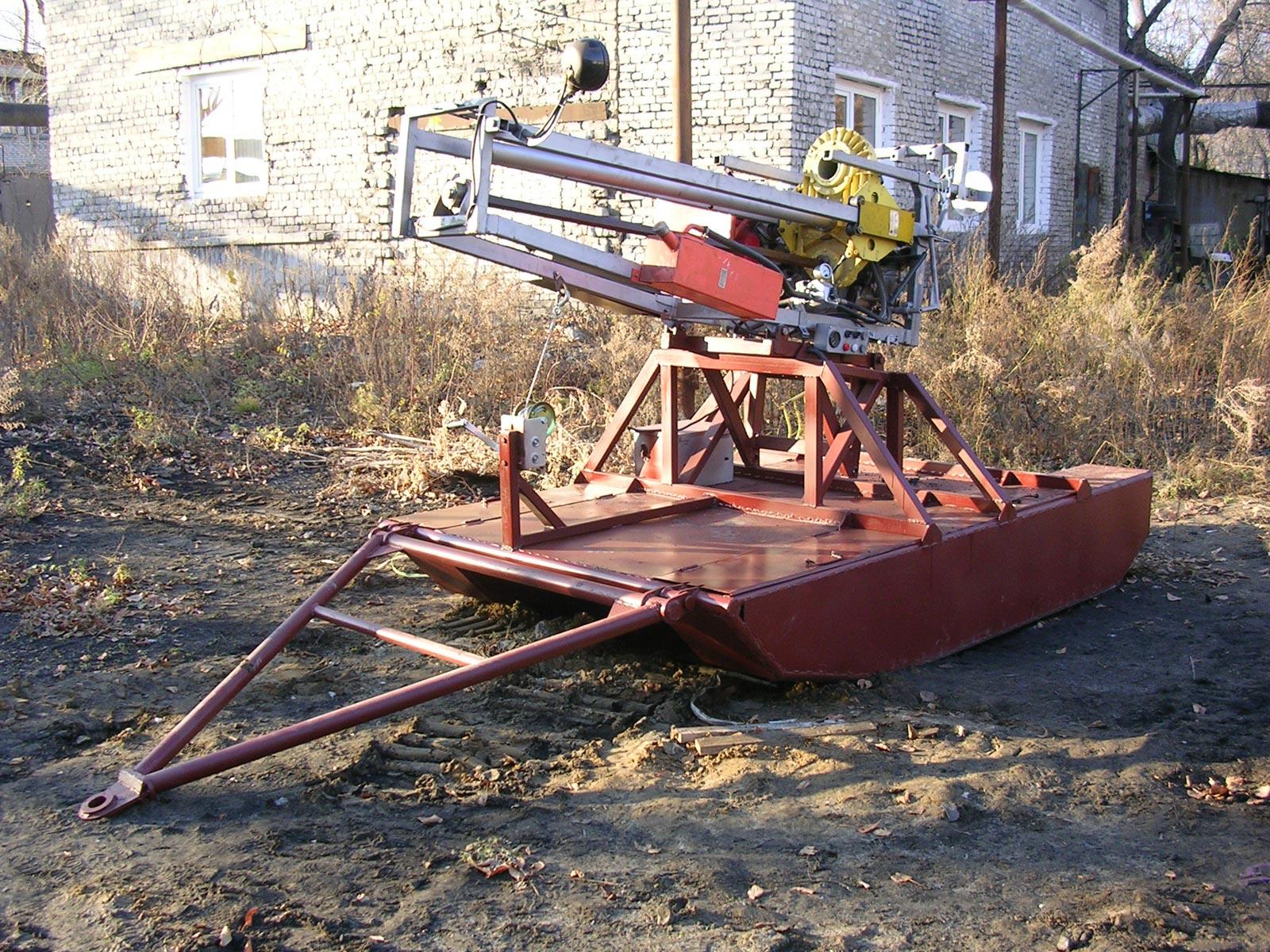Установка буровая шнековая малогабаритная УБШМ-1-20 на базе саней С-9