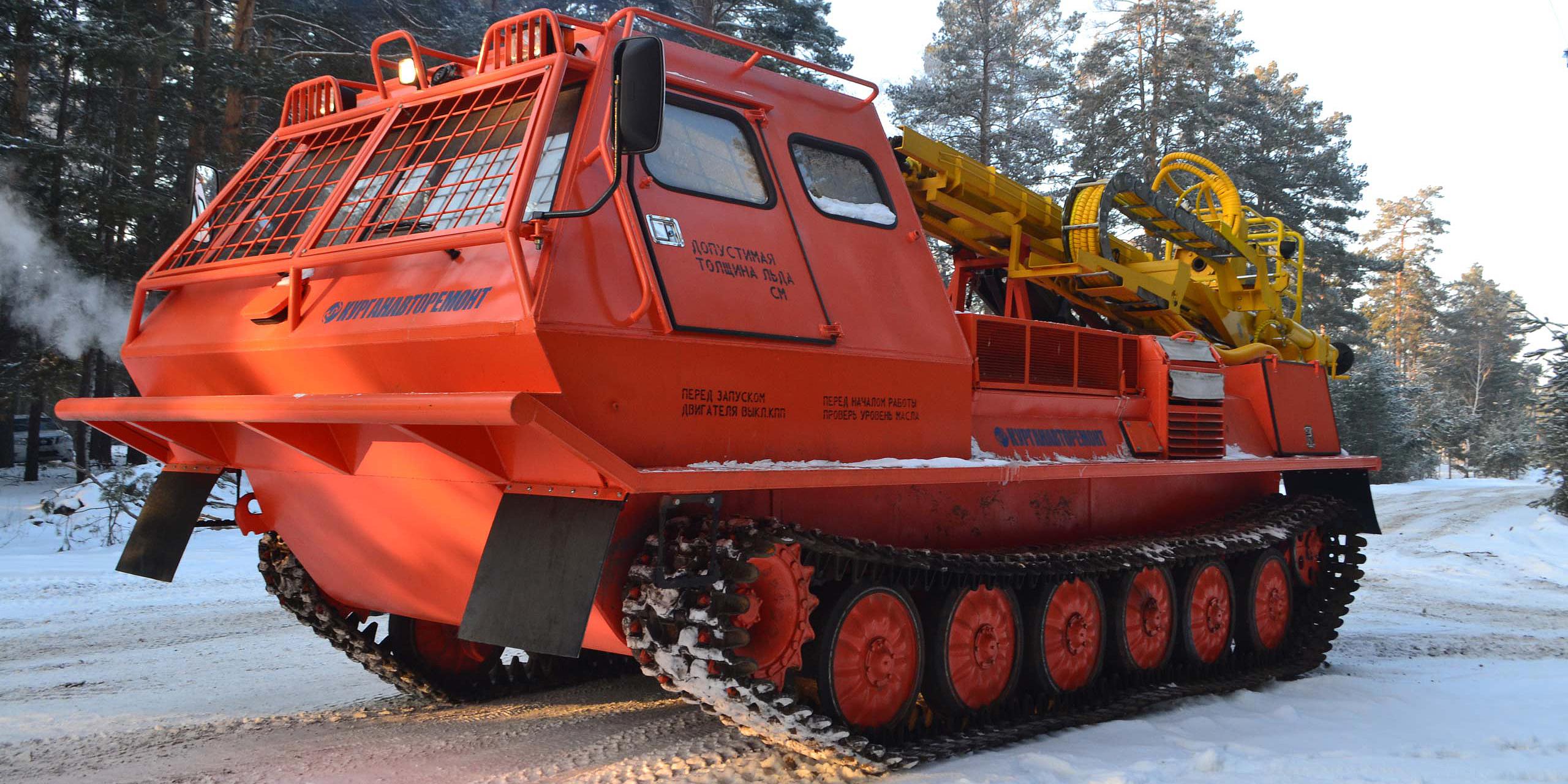 Установка буровая гидромеханизированная УБГМ-1А на базе многоцелевого снегоболотохода КТМ-10В