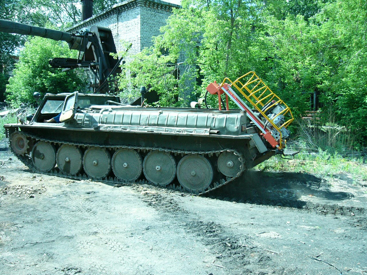 Установка буровая шнековая малогабаритная УБШМ-1-13 на базе ГАЗ-71