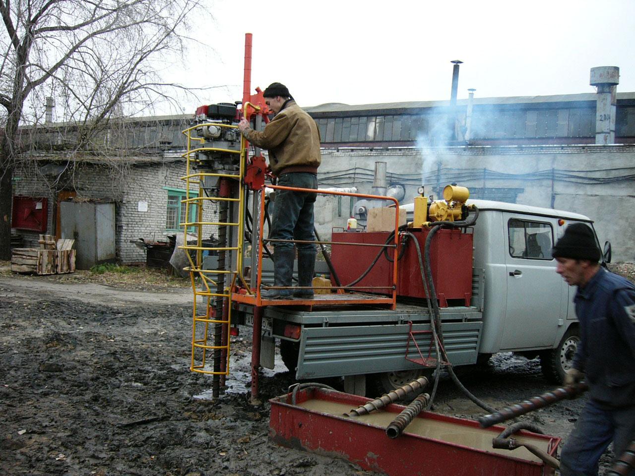 Установка буровая шнековая малогабаритная УБШМ-1-13 на базе УАЗ Фермер