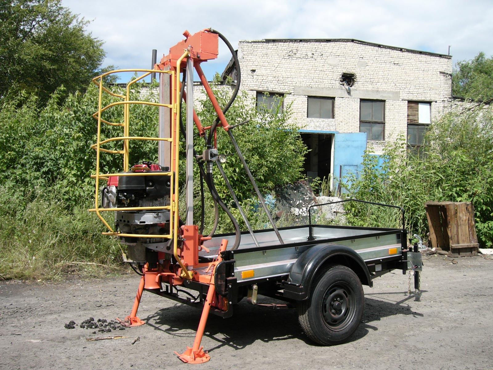 Установка буровая шнековая малогабаритная УБШМ-1-13 на базе автоприцепа