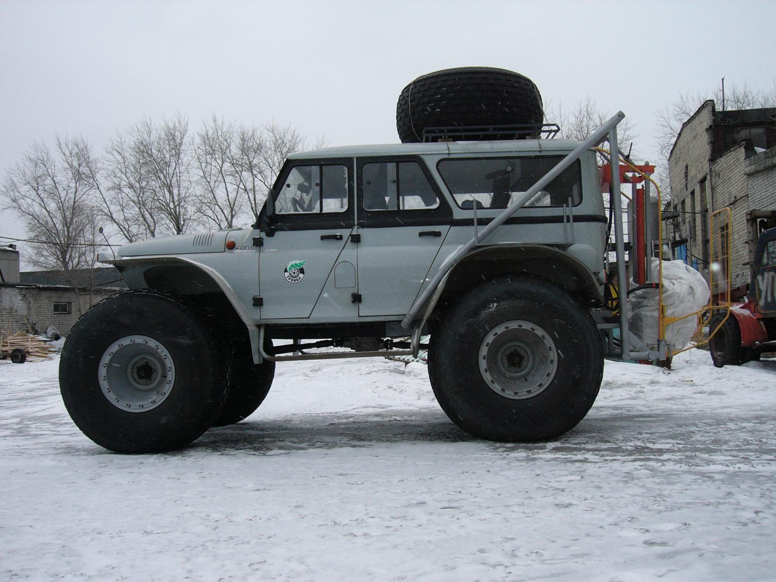 Установка буровая шнековая малогабаритная УБШМ-1-13 на базе ТРЭКОЛ 39041D